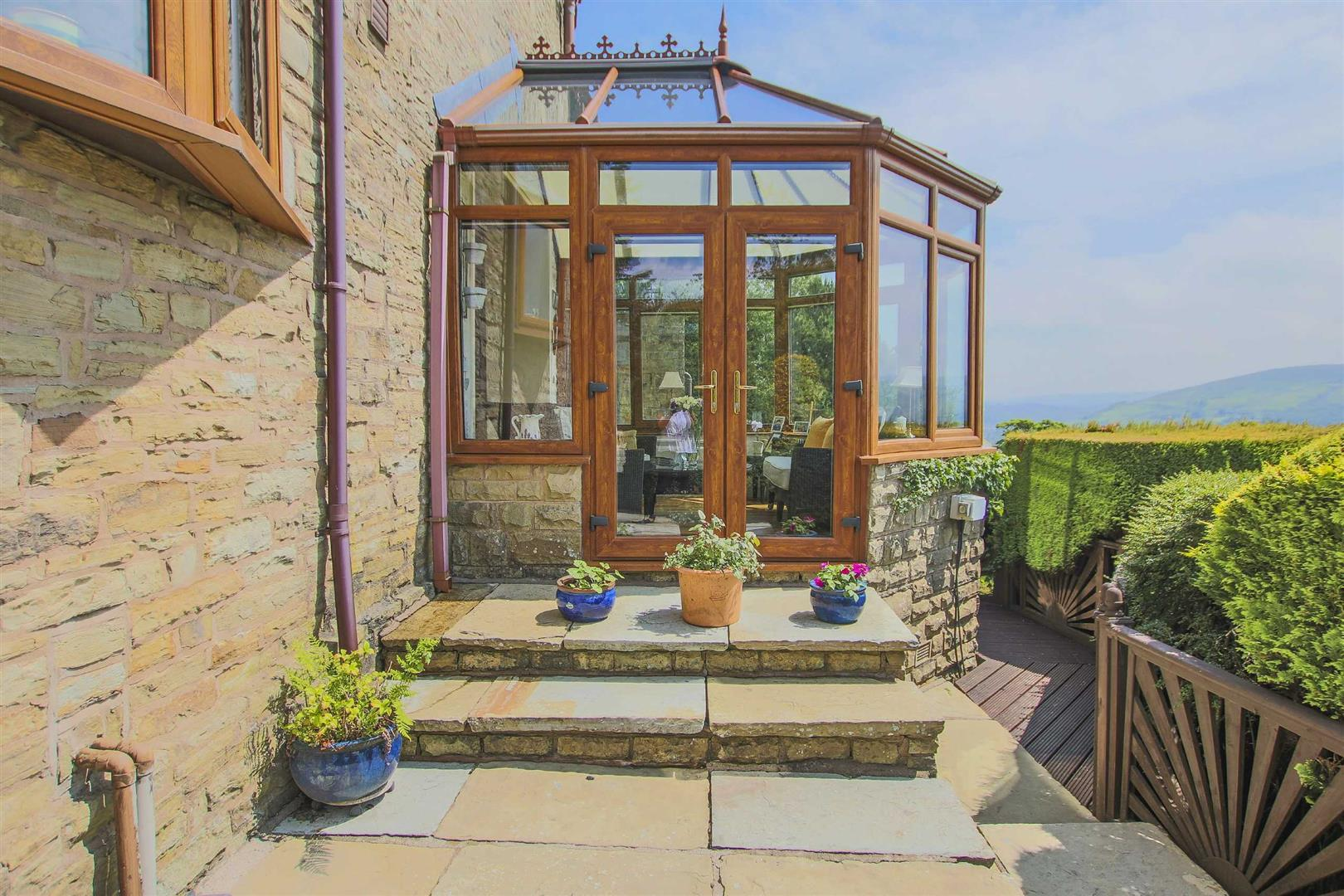 4 Bedroom Barn Conversion For Sale - p033135_27.jpg